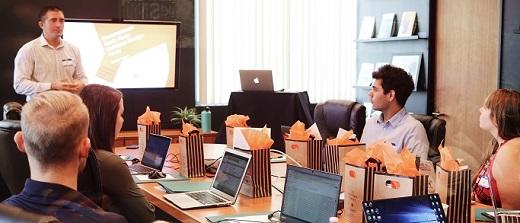 INCOM - En route vers la transformation numérique